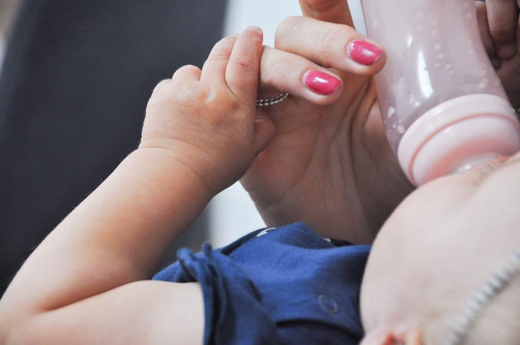 baby weigert de fles